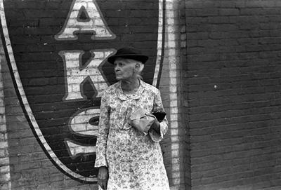 Бен Шон. Пожилая дама. Огайо. 1938