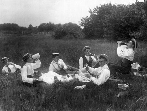 Воскресный пикник. 1900-е
