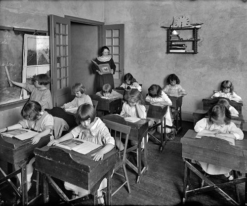 Урок во французской школе Маре. Вашингтон. 1922